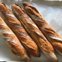 パンも少し焼いています。