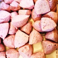 苺のメレンゲ菓子