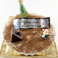 いよいよ残り2種類となりました。クリスマスケーキ。