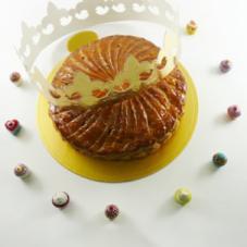 お正月のお菓子、ガレットデロワ 好調です!